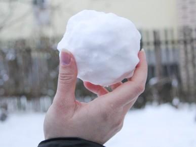 make-a-snowball-step-15